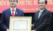 Bí thư Thành ủy TPHCM Nguyễn Thiện Nhân nhận Huy hiệu 40 năm tuổi Đảng