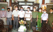 Tỉnh Đồng Nai tặng bằng khen Công an viên quyết tâm bắt cướp dù bị trọng thương