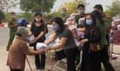 Đồn công an khu công nghiệp Nhơn Trạch gửi 700 phần quà đến người nghèo