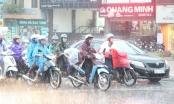 Bắc Bộ mưa giông, nhiều tỉnh miền Trung nắng nóng gay gắt