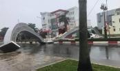 Cổng chào tỉnh Bà Rịa - Vũng Tàu đổ sập sau cơn mưa lớn