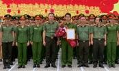 Chuyển chuyên nghiệp đối với chiến sĩ Công an nhân dân Phan Đức Mạnh
