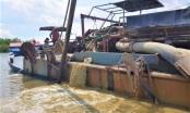 Tạm giữ 2 ghe bơm hút cát trái phép trên sông Đồng Nai