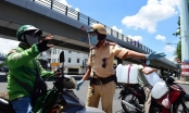 TP Hồ Chí Minh: Shipper ngại ra đường, ứng dụng vẫn tắt