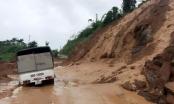 Quốc lộ 15C sạt lở nghiêm trọng, huyện Mường Lát bị cô lập