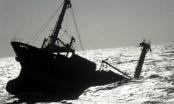 Thanh Hóa: Chìm tàu 5 ngàn tấn, 9 thuyền viên thoát chết