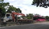 Thanh Hóa: Va chạm xe tải, một hành khách trên xe du lịch từ Lào về bị gãy chân