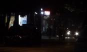 Live: Xuyên đêm vây bắt đối tượng ôm hàng nóng cố thủ trong nhà