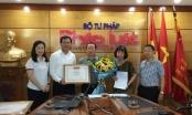 Báo Pháp luật Việt Nam nhận Bằng khen của Bộ trưởng Bộ Xây dựng