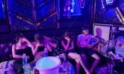 Bắc Ninh: Công an huyện Quế Võ xử phạt hàng chục nam thanh nữ tú tụ tập hát Karaoke trong mùa dịch
