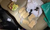 TP HCM: Phát hiện 1800 viên ma túy được đôi nam nữ cất giấu trong ô tô