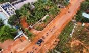 Bình Thuận: Lũ cát đỏ đổ xuống đường, giao thông bị gián đoạn
