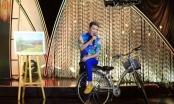 Sol Vàng tháng 5: Đàm Vĩnh Hưng chơi trội đi xe đạp hát Lời tỏ tình mùa xuân