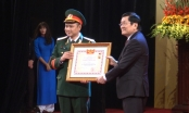 Tự Long nhận danh hiệu nghệ sĩ nhân dân trẻ tuổi nhất