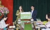 Doanh nghiệp trao tặng hàng ngàn lít dung dịch rửa tay khô trong cuộc chiến phòng chống dịch