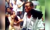 Thầy bói sờ ngực phụ nữ đoán vận mệnh ở Trung Quốc
