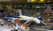 Xưởng máy bay tối mật trong tòa nhà rộng nhất thế giới