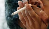 Hành khách bị cấm bay vì hút thuốc, chây ì nộp phạt
