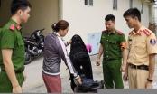 7 cảnh sát cứu người phụ nữ nhảy cầu tự tử