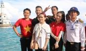 Sơn Ca trở lại cùng Việt Quang biểu diễn phục vụ các chiến sĩ Trường Sa
