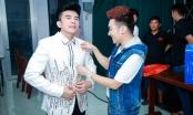 Quang Hà sửa áo cho Đan Trường ở hậu trường MVTopHits