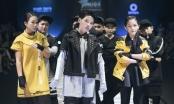 Vũ Cát Tường dù bị sốt vẫn toả sáng cùng 9 học trò The Voice Kids trên sàn diễn thời trang