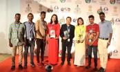 Cha cõng con tham dự Hạng mục Điện ảnh Thế giới tại Liên hoan phim Quốc tế Ấn Độ lần thứ 48
