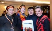 Jennifer Phạm và Mr. Đàm bày tỏ sự mến mộ cầu thủ Quang Hải