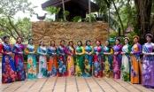 Hoa hậu Janny Thủy Trần cho thí sinh giới thiệu áo dài Việt Nam trên đường phố Pattaya
