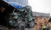 Hà Nam: Tránh va chạm với xe cùng chiều, xe tải lao vào nhà dân