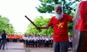 Hơn 3.000 học sinh hát chúc thầy Văn Như Cương mau khỏe
