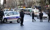 Pháp bắn chết kẻ cầm dao tấn công đồn cảnh sát Paris