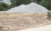 Hà Tĩnh: Ẩn họa từ việc phá rào chắn đường làm bãi tập kết cát