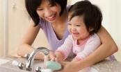Con trẻ bệnh nhẹ thành nặng vì sai lầm của người lớn