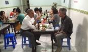 Báo chí quốc tế xôn xao về bữa tối 6 USD của ông Obama ở Hà Nội