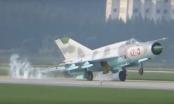 Máy bay chiến đấu Triều Tiên đập đuôi xuống đất trong trình diễn