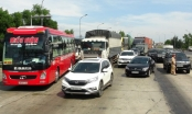 Người dân chặn xe phản đối thu phí Trạm BOT Quán Hàu