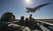 Máy bay chiến đấu đâm trúng thủy thủ trên tàu sân bay Mỹ