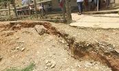 Nghệ An: Hoang mang vết nứt lạ dài 800m đe dọa 2 điểm trường học