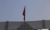 Cơ quan, công sở Hà Nội treo cờ rủ Quốc tang nguyên Tổng Bí thư Đỗ Mười