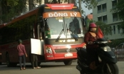 Hà Nội: Nhức nhối xe khách bò trên đường để bắt khách