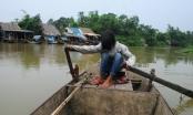 Bập bềnh thân phận xóm chài tạm trú bên sông Cửa Tiền