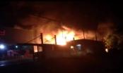 Hưng Yên: Cháy lớn, hơn 1000 m2 diện tích nhà xưởng bị thiêu rụi