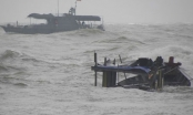 Thanh Hóa: Biển động, 7 ngư dân tàu đánh cá rơi xuống biển mất tích