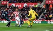 Vòng 15 giải Ngoại hạng Anh: Stoke City hạ đo ván Man City 2-0