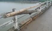Hi hữu: Dùng tre, dây thừng níu cầu dân sinh sắp sập ở Nghệ An