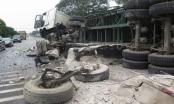 Thanh Hóa: Xe đầu kéo lật nghiêng tan tành trên quốc lộ 1A