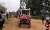 Nghệ An: Thú vị màn rước dâu bằng 8 xe máy cày