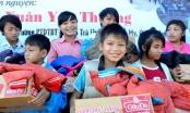 Sinh viên Đà Nẵng mang mùa đông ấm áp đến trẻ em vùng cao