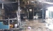 Hà Nội: Bà hỏa ghé thăm thiêu rụi xưởng gara ô tô
